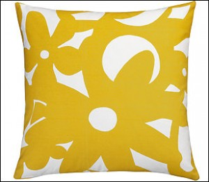Cool Yellow Pillow Decorating Idea